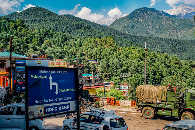 <p>Newsletter Vol.11</p> インドのダラムサラの道端で施術<br> CS60 on the Streets of Dharamshala<br> Sessions dans les rues de Dharamsala en Inde