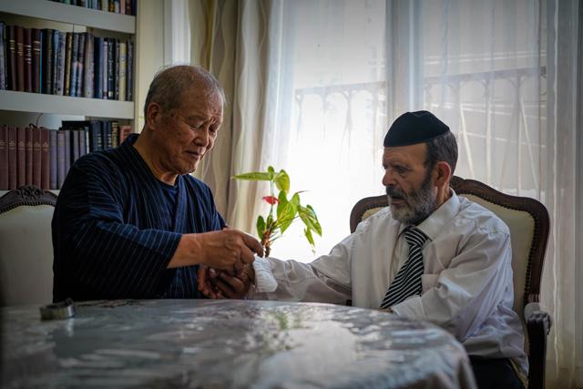 <p>Newsletter Vol.17</p>イスラエルのパーキンソン患者との出会い<br>The Day I Met an Israeli Parkinson's Patient<br>Une rencontre avec un patient atteint de la maladie de Parkinson